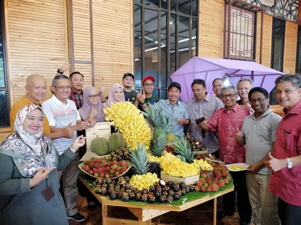 06 Julai 2019 Jamuan dan promosi buah-buahan bagi sesi retreat YBhg Datuk Seri KSN bersama pemikir Universiti Malaya di Ruang Legar GOAT2GO, Maeps
